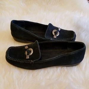Liz Claiborne Shoes - Liz Claiborne Navy Loafers
